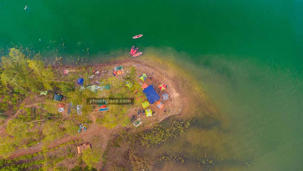 bán đảo hồ Trị An cách SG 57 km – bãi camp nước ngọt cực đẹp
